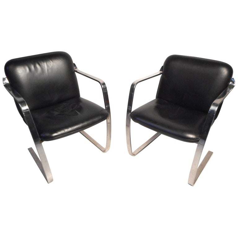 Pair of Midcentury Cantilever Brno Style Chairs by Cumberland Furniture For Sale