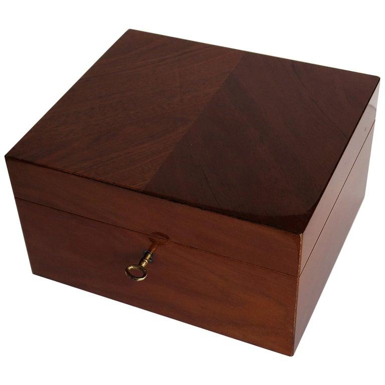 Edwardian Mahogany Lidded Box with Lock and Key Fine Quality, circa 1910 For Sale
