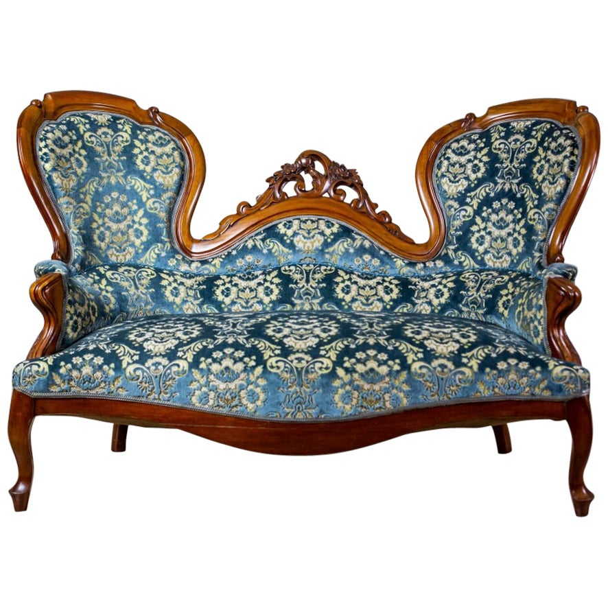 19th Century Neo-Rococo Walnut Sofa