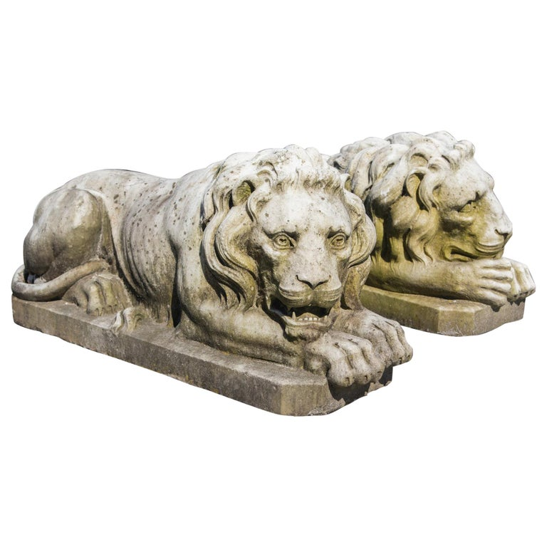 Vintage Pair of Marble Lions For Sale