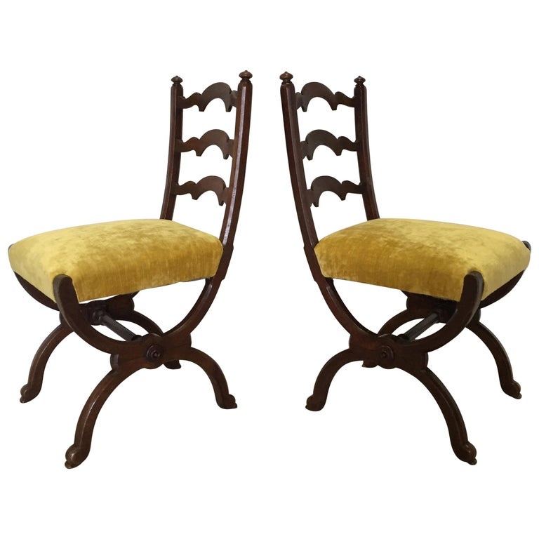 Pair of Walnut Side Chairs Attributed to Howard & Sons, Berners Street, London For Sale