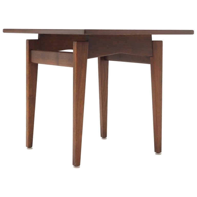 Jens Risom Occasional Lamp Coffee Side End Table Oiled Walnut For Sale