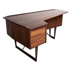 Midcentury Boomerang Desk in Rosewood by Peter Løvig Nielsen for Hedensted 1960s