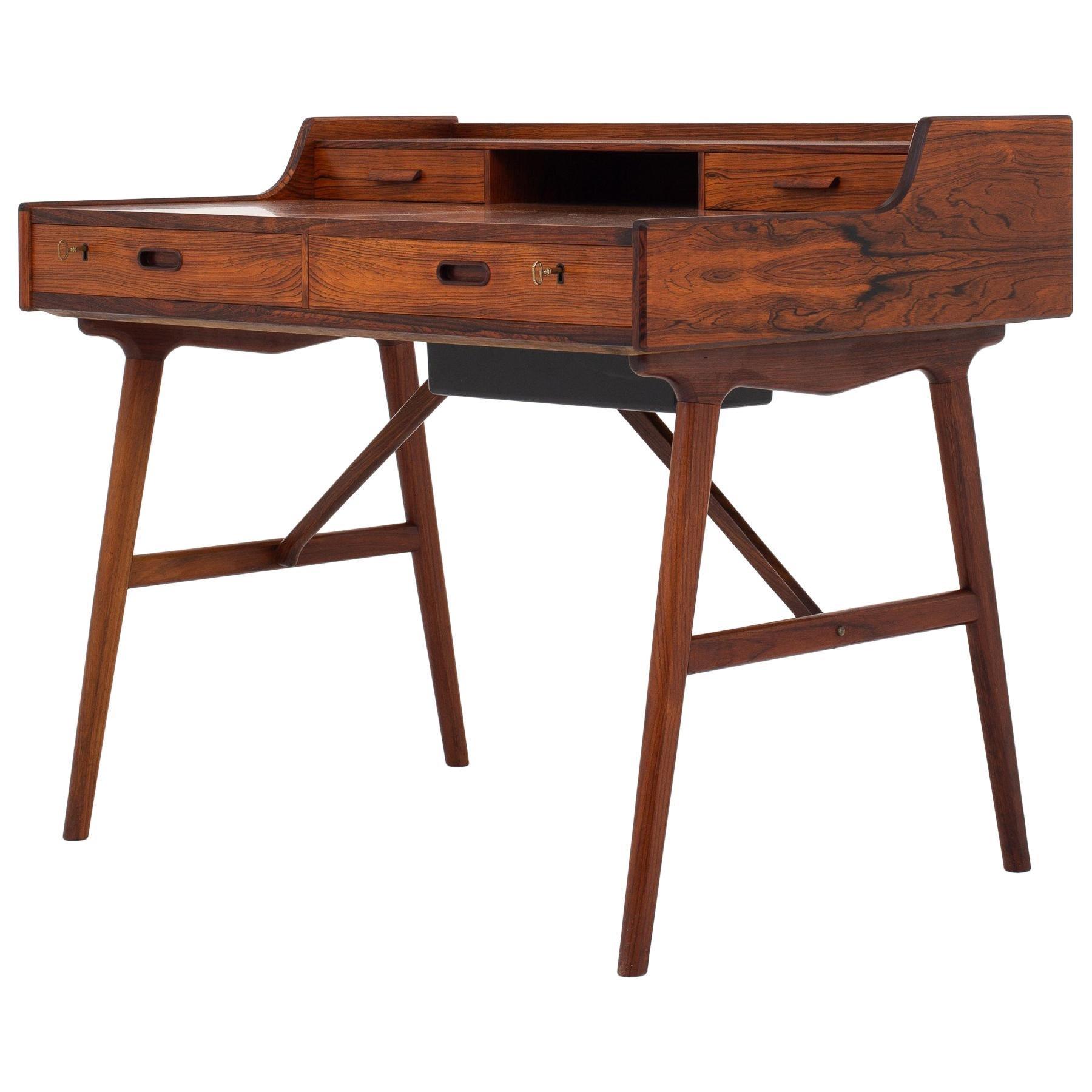 Groovy Desk by Arne Wahl-Iversen at 1stdibs RR08