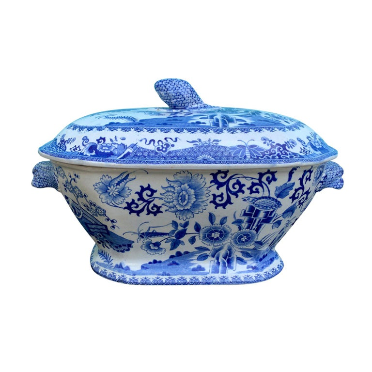 Early 19th Century Spode Blue and White Tureen For Sale
