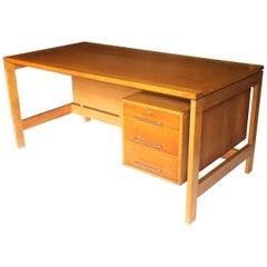 Vintage 1960s Midcentury Danish Modern Desk by Jensen & Valeur for Munch Møbler