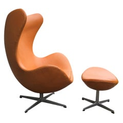 Original Tan Leather Egg Chair and Ottoman by Arne Jacobsen for Fritz Hansen