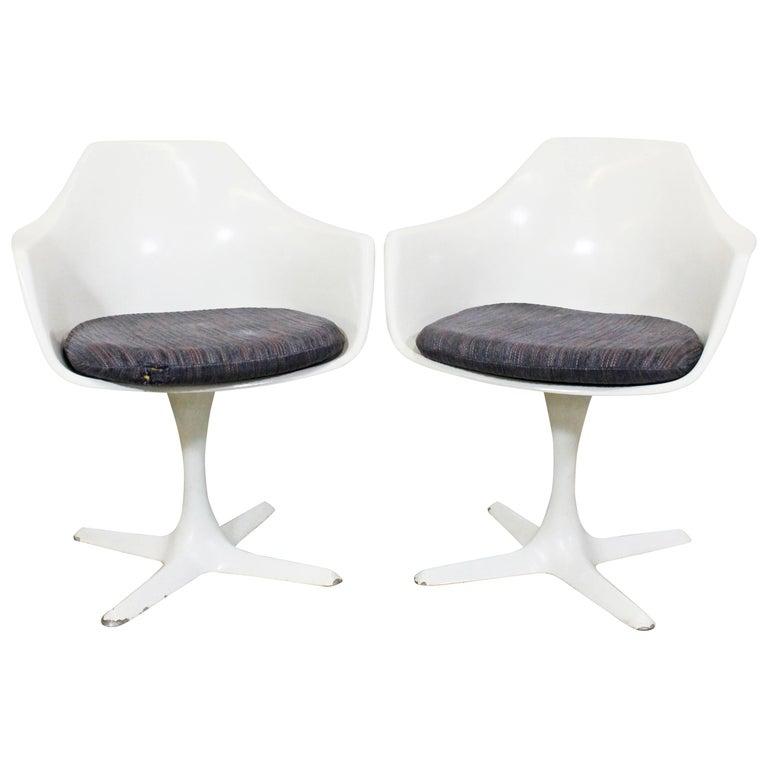 Tremendous Pair Of Mid Century Modern Saarinen Style Burke Tulip Swivel Dining Chairs Inzonedesignstudio Interior Chair Design Inzonedesignstudiocom
