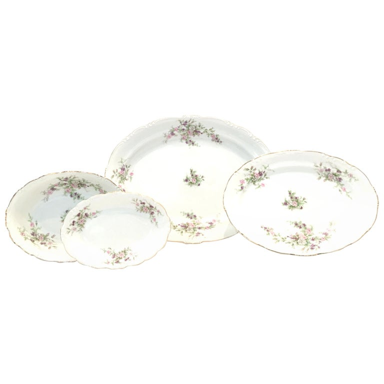 Mid-20th Century Japanese Porcelain & 22-Karat Gold Dinnerware Serving Piece S/4 For Sale
