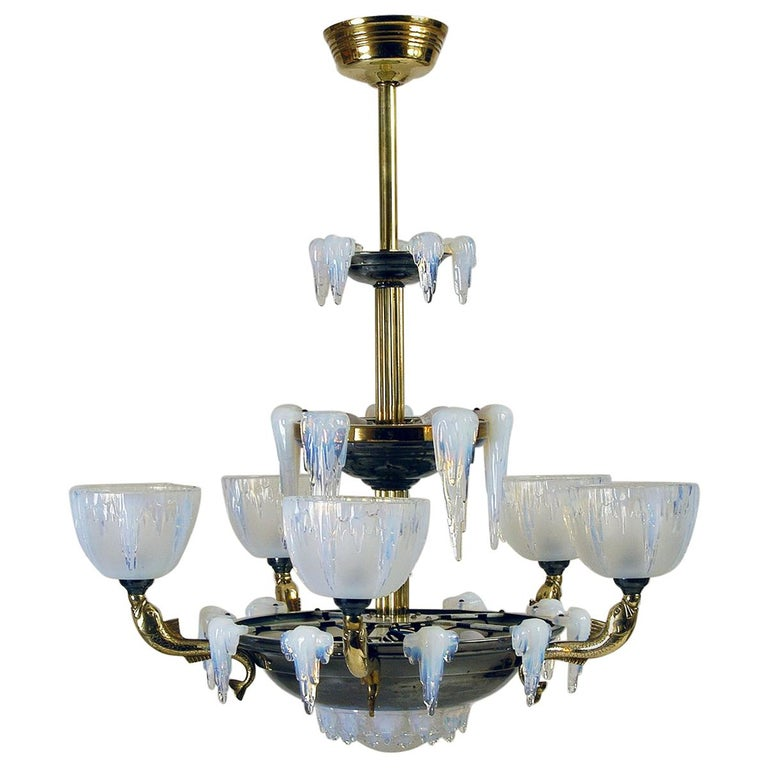 1930s French Art Deco Opalescent Ezan Glass 'Icicle' Chandelier by Henri Petitot For Sale