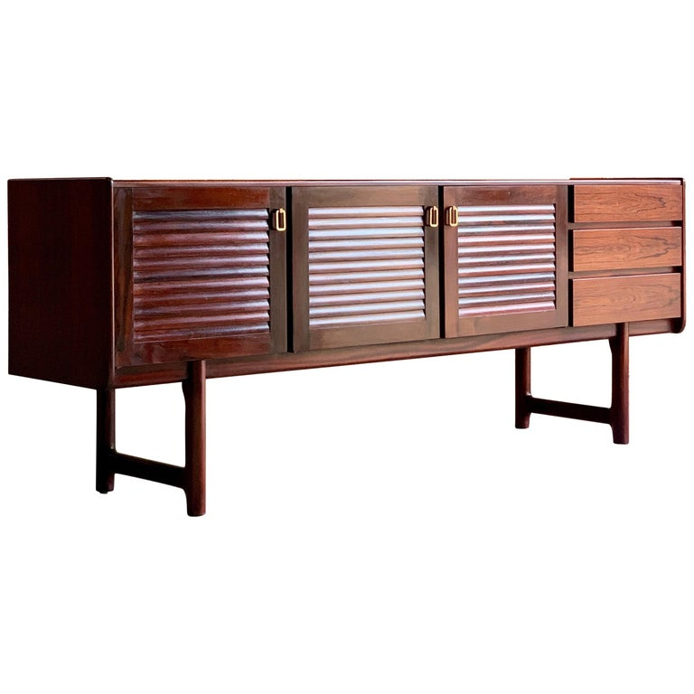 Midcentury A. H. McIntosh & Co. of Kirkcaldy Rosewood Sideboard Credenza, 1970s For Sale