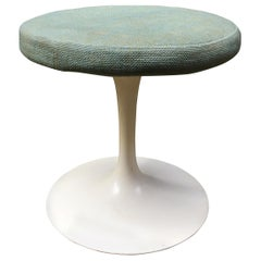 Early Knoll Associates Tulip Saarinen Stool