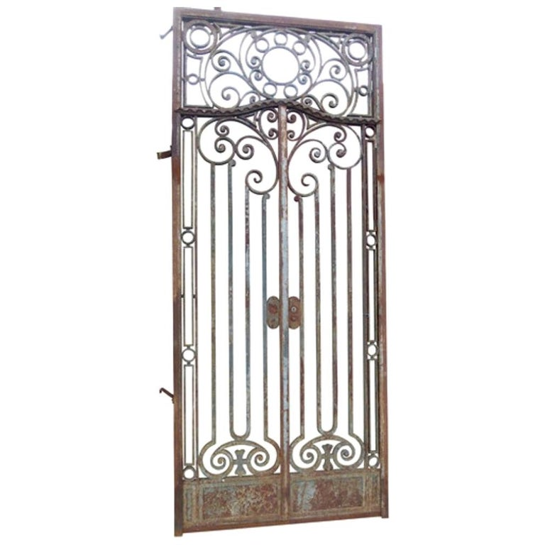 Late 18th Century Spanish Iron Gate For Sale