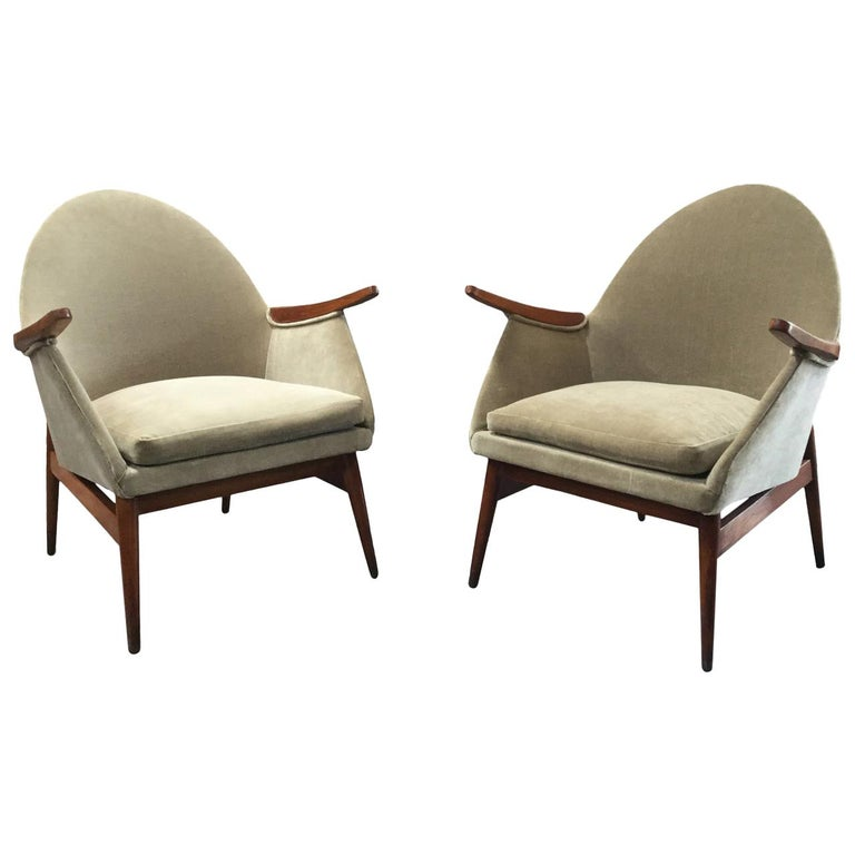 Pair of European Mid-Century Modern Chairs For Sale