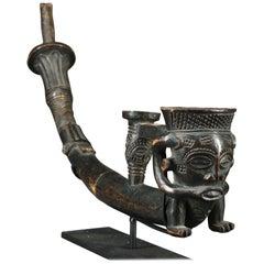 Fine Kuba Wood Figural Tribal African Pipe, early 20th century
