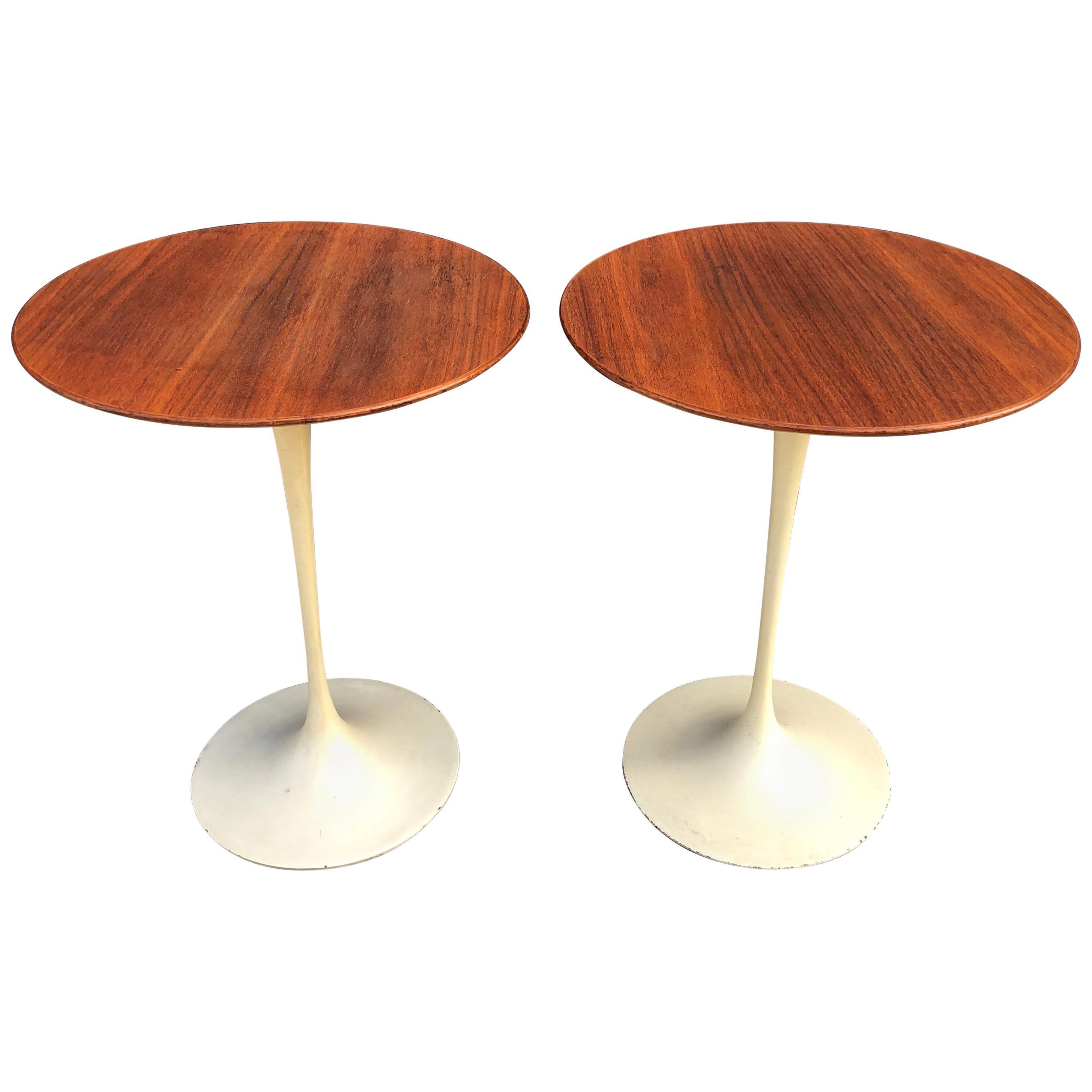 Exquisite Eero Saarinen for Knoll Tulip Side Tables in Walnut
