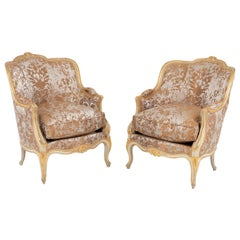 Pair of Louis XV Style Bergeres in Off-White Lacquer and Gilt Wood, 1970s