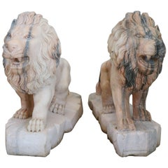 20th Century Italian Sculpture in Pink Marble of Carrara Pair of Lions