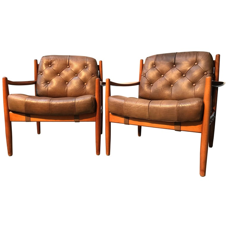 Vintage Pair of Ingemar Thillmark Lounge Chairs in Leather and Beech Wood For Sale