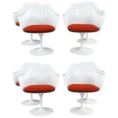 '8' Tulip Chairs by Eero Saarinen