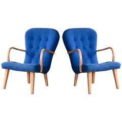Pair of 1950s Danish Lounge Chairs in The Style of the Clam Chair by Arctander