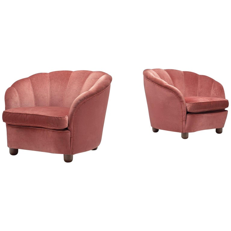 Classic Italian Pair of Club Chairs in Pink Velvet For Sale