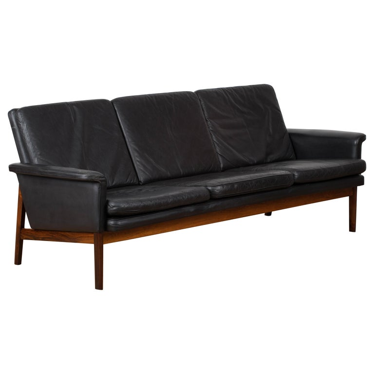 "Finn Juhl Black Leather and Rosewood Sofa, Model No 218 ""Jupiter"" For Sale"