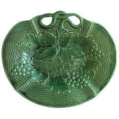 English Green Majolica Grapes Platter Davenport, circa 1800