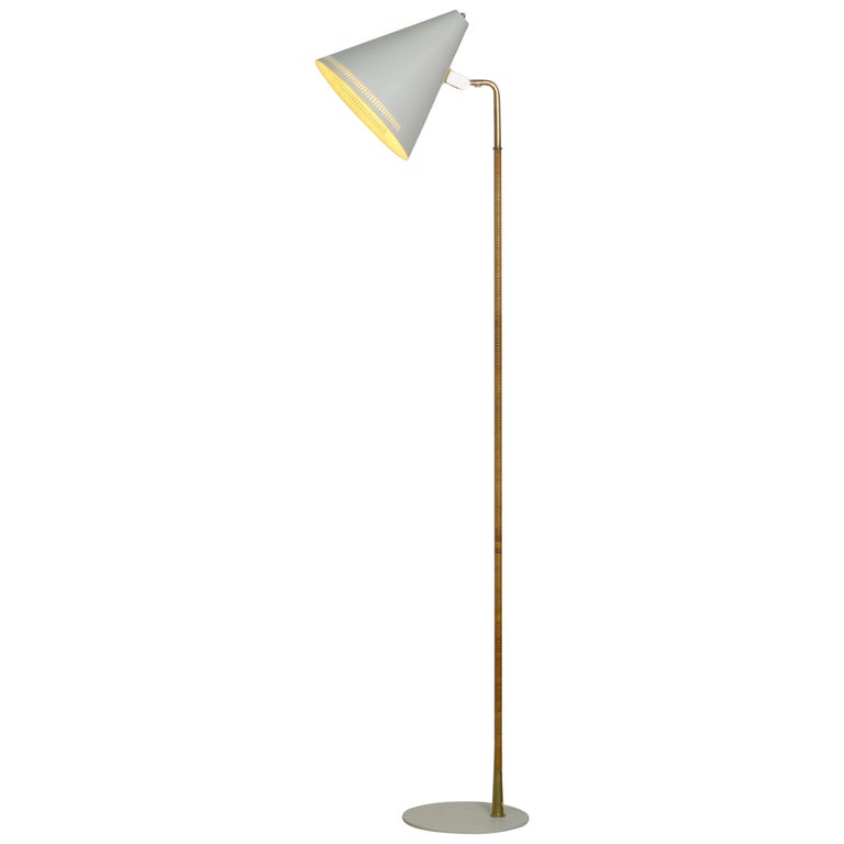 Paavo Tynell Floor Lamp, Taito Oy Finland Model K10-10 1940s, Signed For Sale