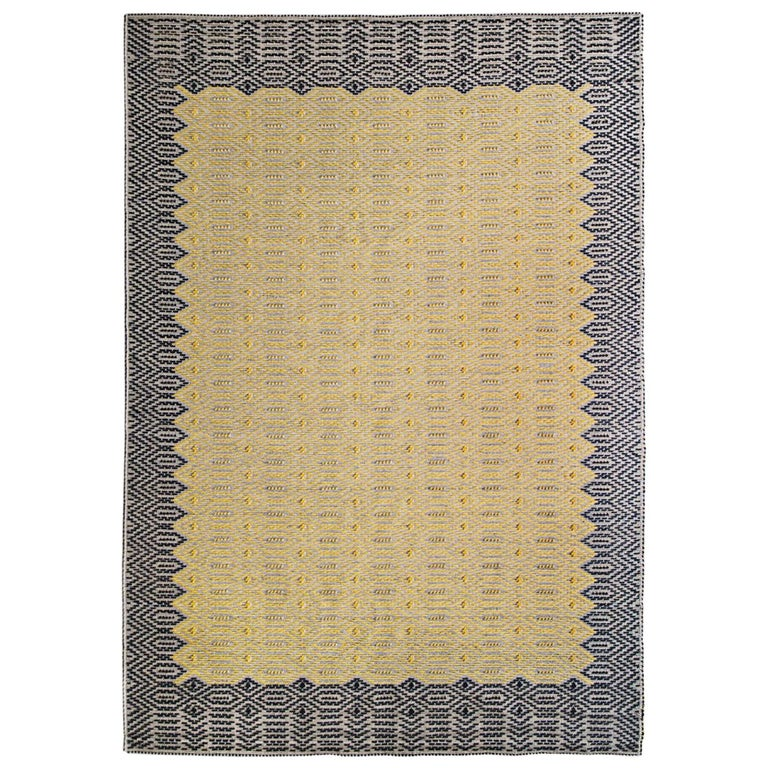 Graphic, Duo-Tone Allover Carpet in Hand-Tufted Sardinian Wool For Sale
