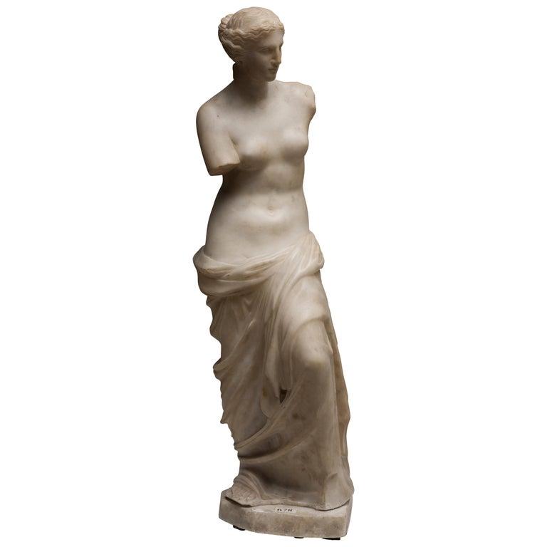 Carrara Marble Sculpture Copy of Venus de Milo by French Sculptor, circa 1820 For Sale