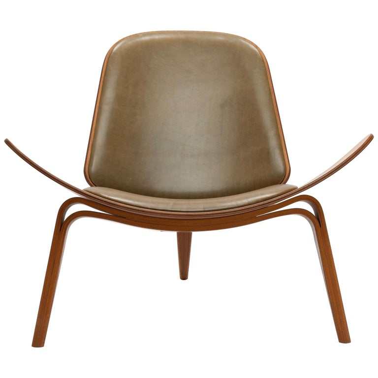 Hans Wegner for  Carl Hansen CH07 shell chair, 2018, offered by Histoire Gallery