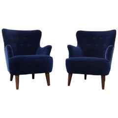 Pair of Theo Ruth Navy Blue Velvet Lounge Chairs for Artifort