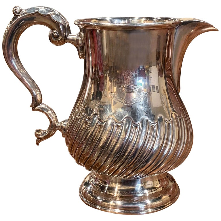 Early 20th Century English Silver Plated Pitcher with Engraved Crest For Sale