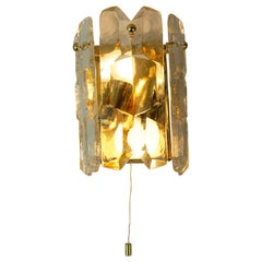 Austrian Midcentury Iceglass and Gilt Brass Wall Light Palazzo by J.T. Kalmar
