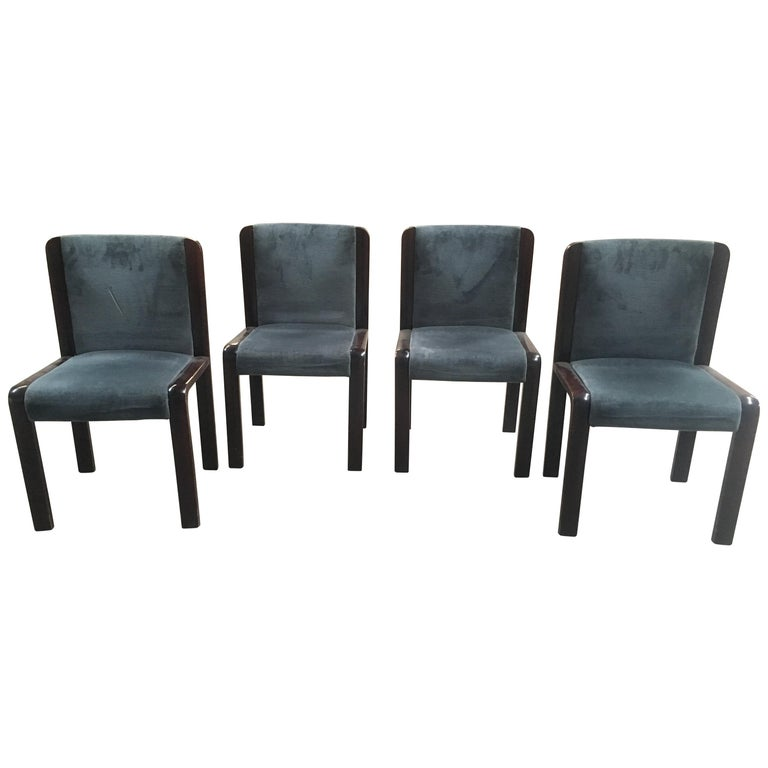 Mid-Century Modern Italian Set of Four Dining Chairs in the Style of Joe Colombo For Sale
