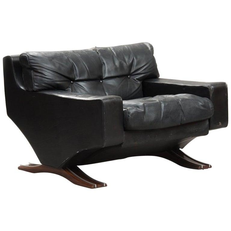 Italian Mid-Century Modern Large Armchair For Sale