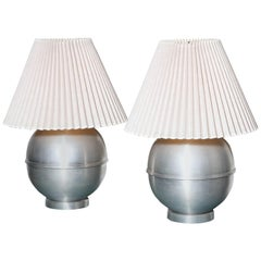 Pair of Russel Wright Style Machine Age Round Spun Aluminium Table Lamps, 1950s