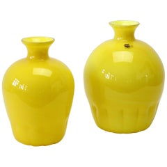 Colorful Cenedese Pair of Yellow Vintage Italian Murano Glass Vases, circa 1990s