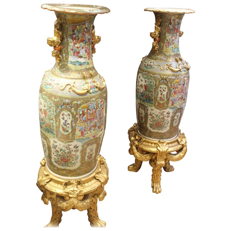 Large Pair of Early 19th Century Chinese Canton Famille Rose Vases For Sale