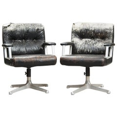 Osvaldo Borsani P125 Desk Chairs for Tecno, One Pair