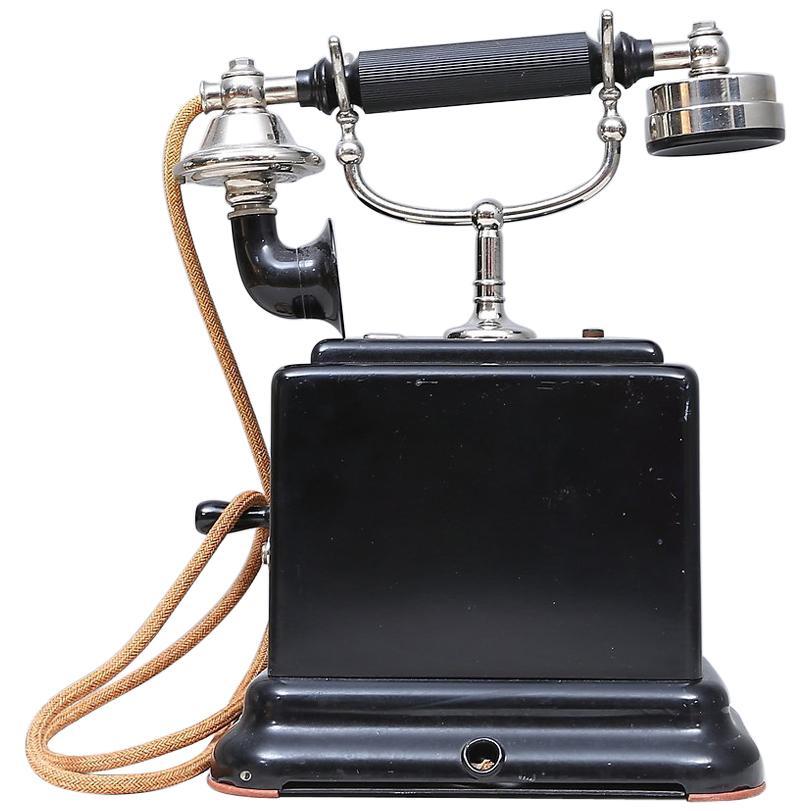 Bakelite Table Phone from 1947