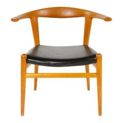 'Bullhorn' Chair by Hans Wegner