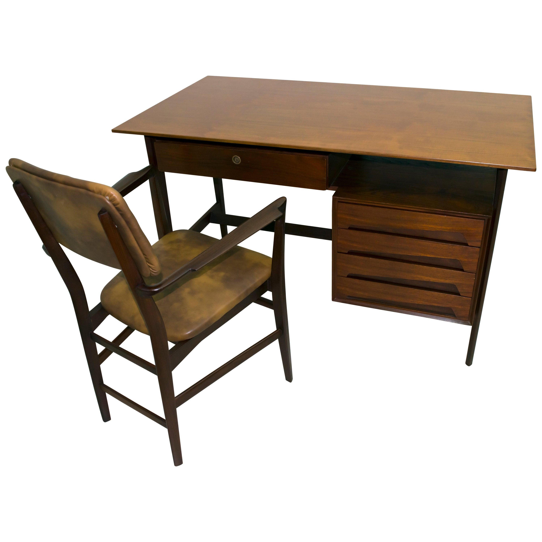Vittorio Dassi Mid-Century Modern Italian Teakwood Writing Desk and Chair, 1950s