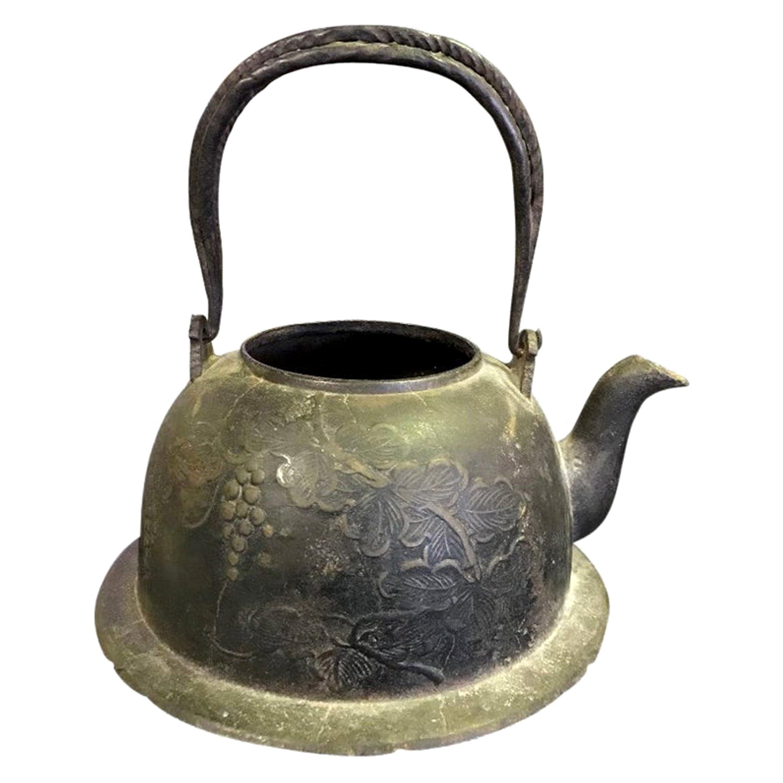 Japanese Meiji Cast Iron Floral Tea Kettle Water Pot Tetsubin, Late 19th Century