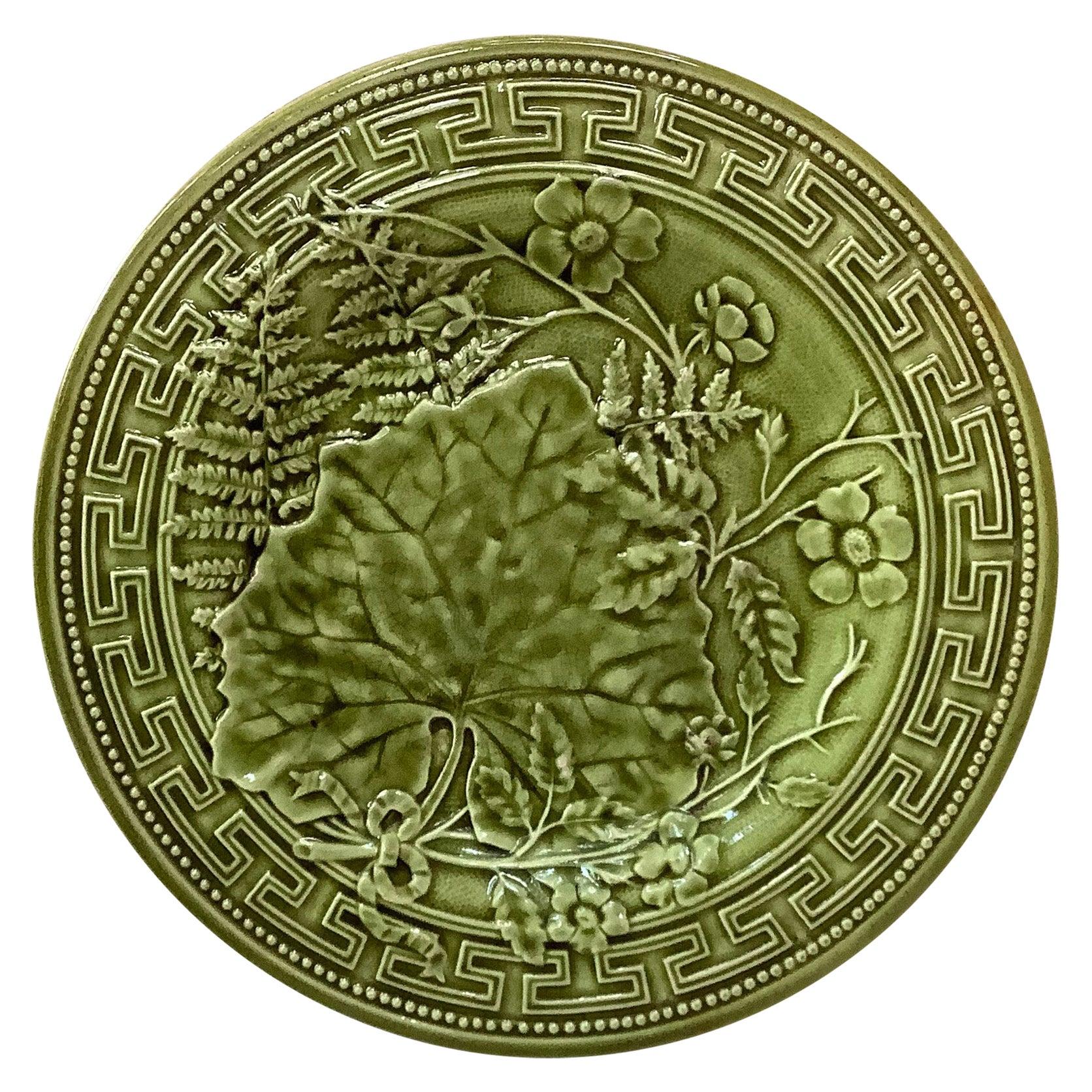 19th Century Green Majolica Leaves Flowers Plate Choisy le Roi