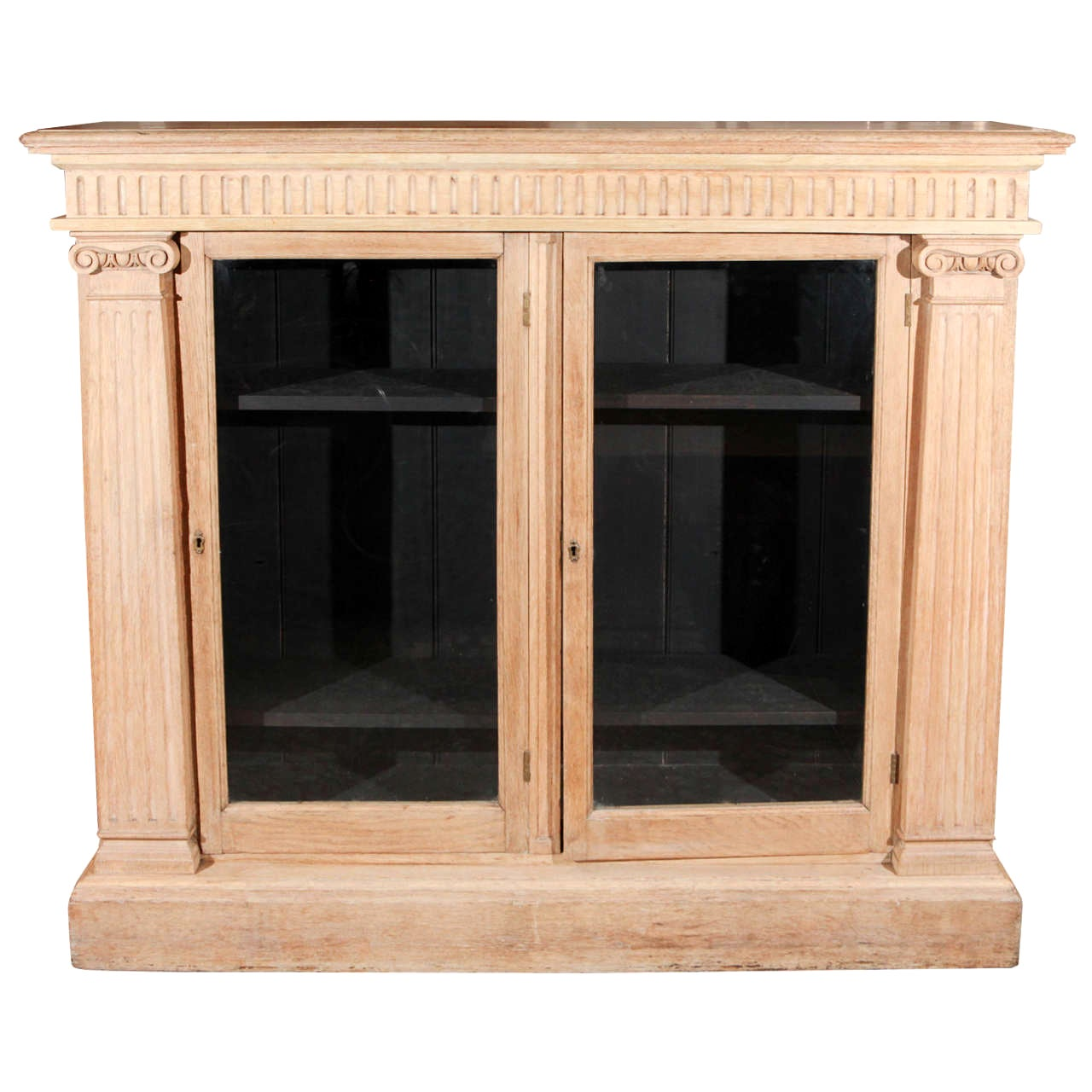 Late 19th Century English Oak Bookcase with Glass Doors