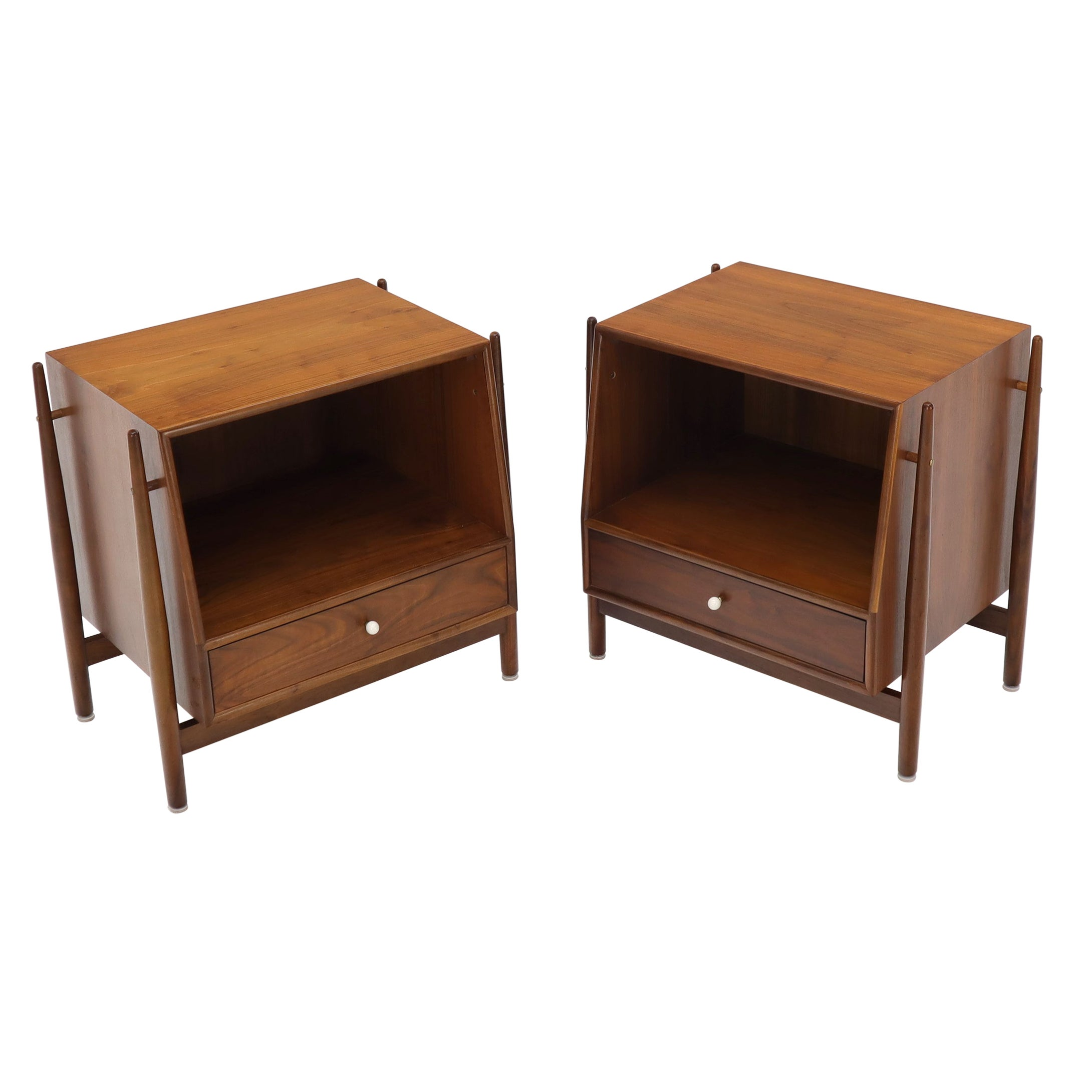 Pair of Walnut Mid-Century Modern End Tables Night Stands by Drexel