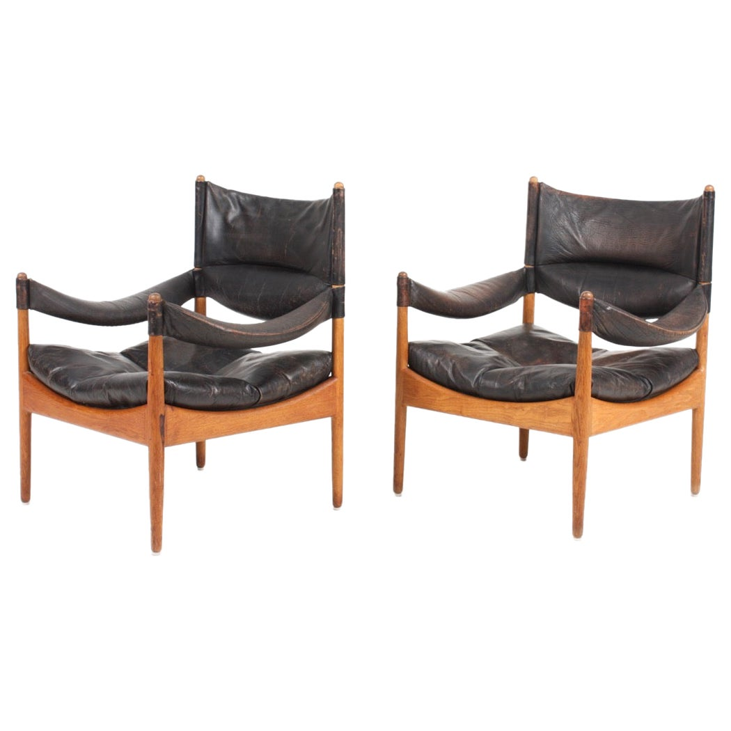Pair of Midcentury Lounge Chairs in Oak and Patinated Leather, Denmark, 1960s
