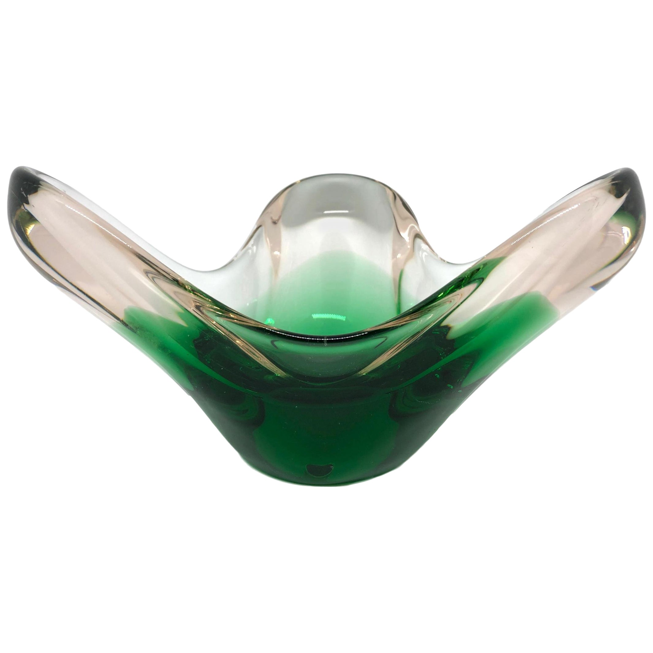 Murano Art Glass Green and Clear Bowl Catchall Italy, Sommerso, 1960s
